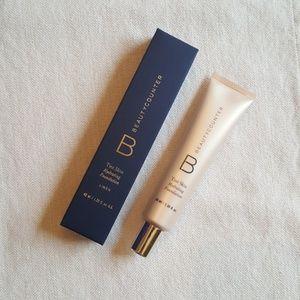 NIP Beautycounter Tint Skin Linen